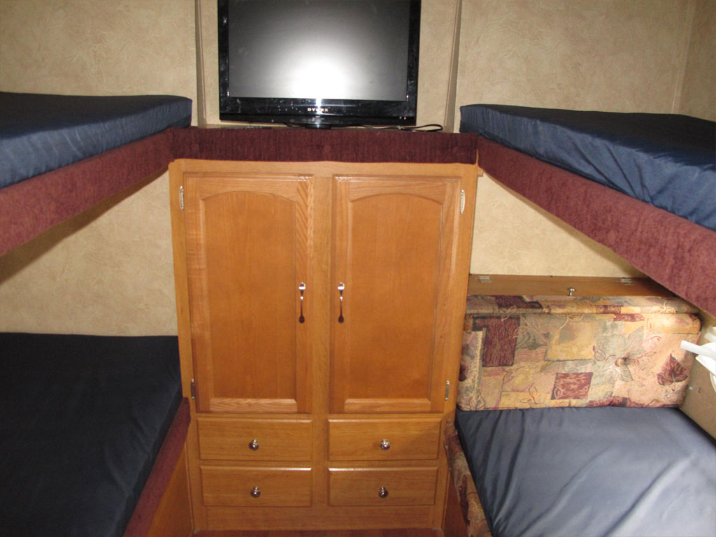 Travel Trailer 6 Bedroom with Bunks