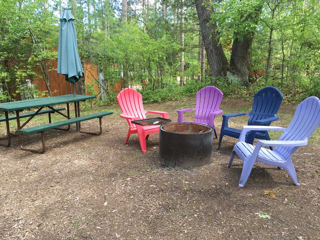 Smokey Hollow Deluxe Cabin Style 2 Firering